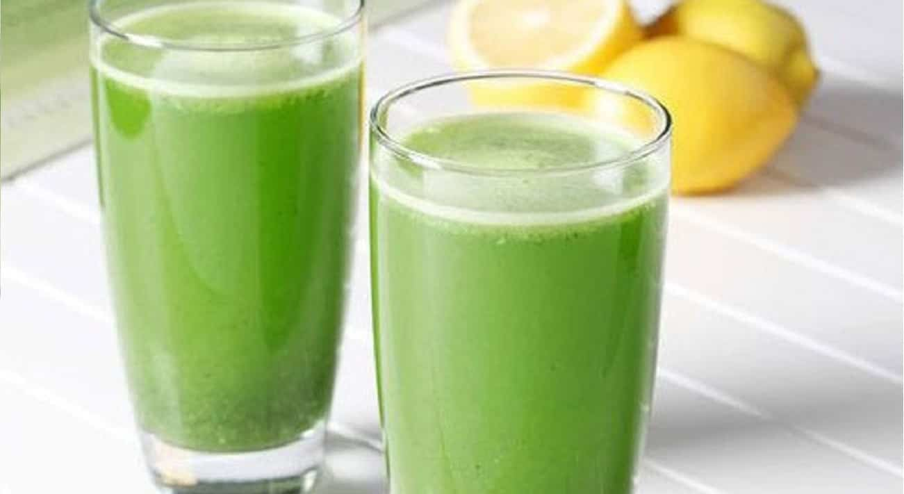 Bevanda prezzemolo limone e acqua