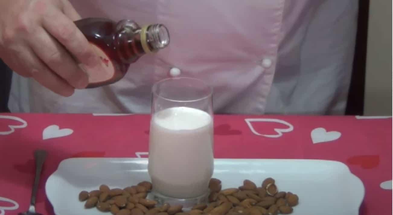 Latte di mandorle e gastrite