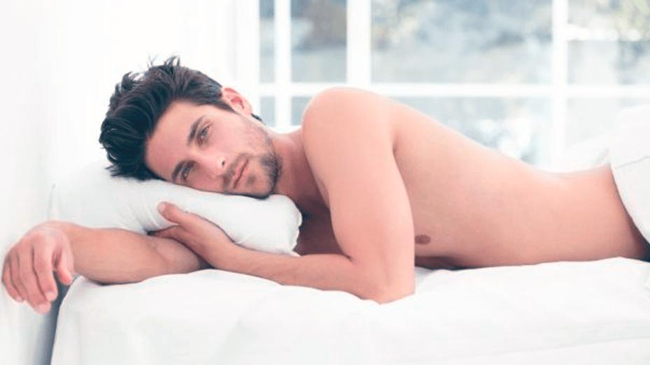 dormire nudi fa bene
