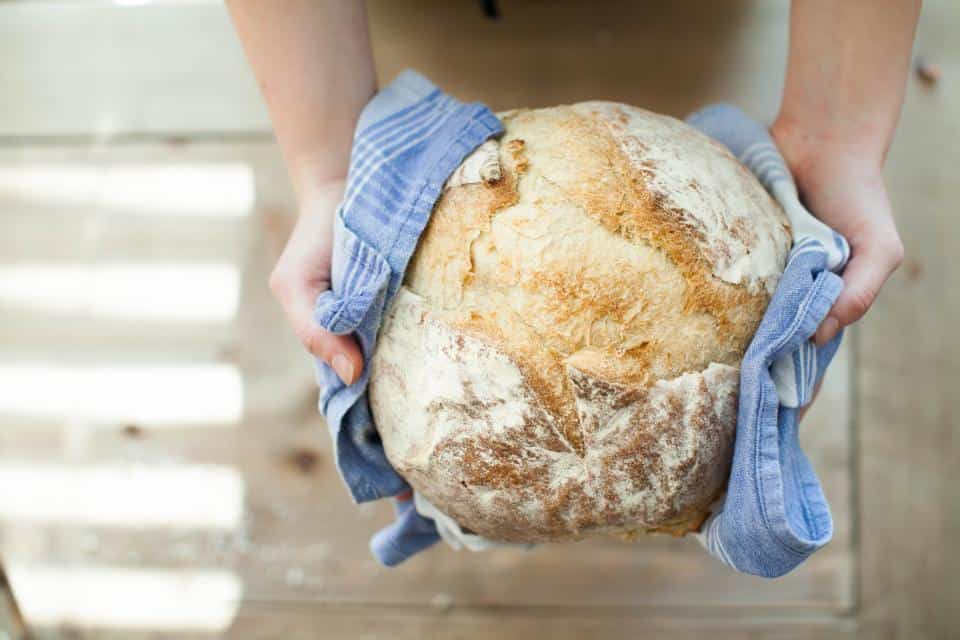 Pane fatto in casa più salutare e genuino del pane in commercio