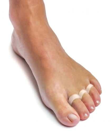 allungare le dita dei piedi esercizio