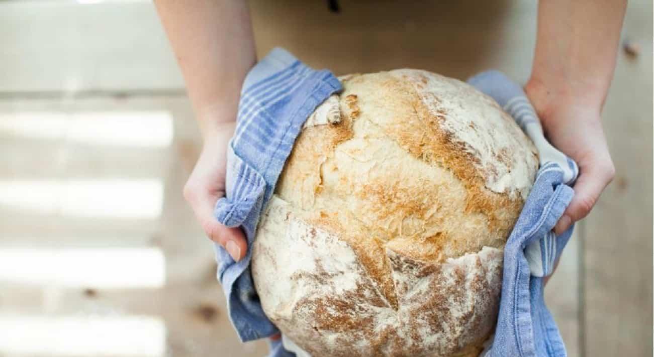Pane genuino fatto in casa più salutare del pane in commercio