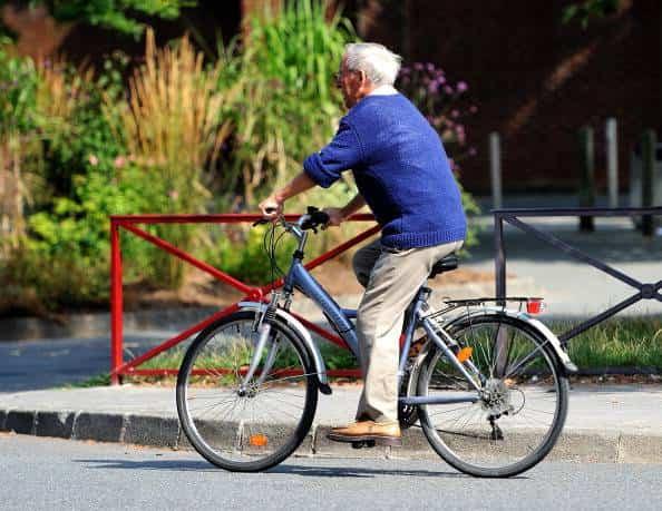 cattiva circolazione andare in bici ciclismo