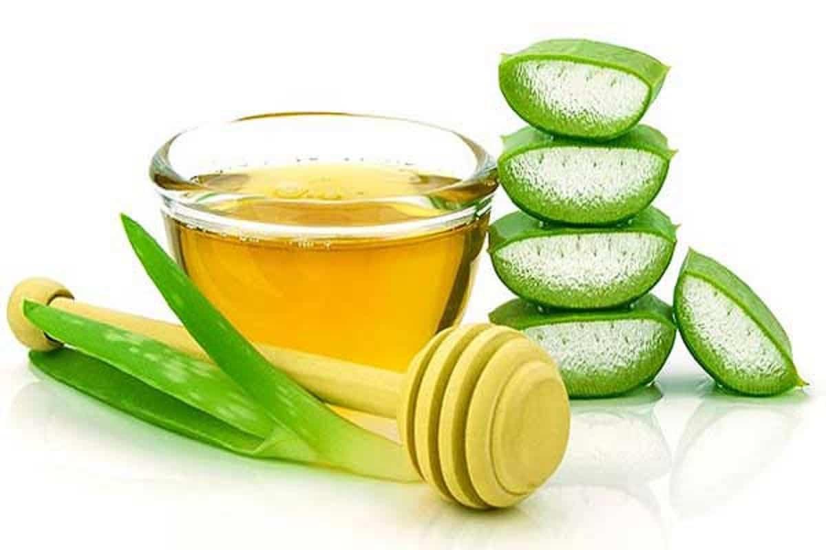 Tutti gli effetti benefici dell'olio di aloe vera  per pelle, viso e capelli