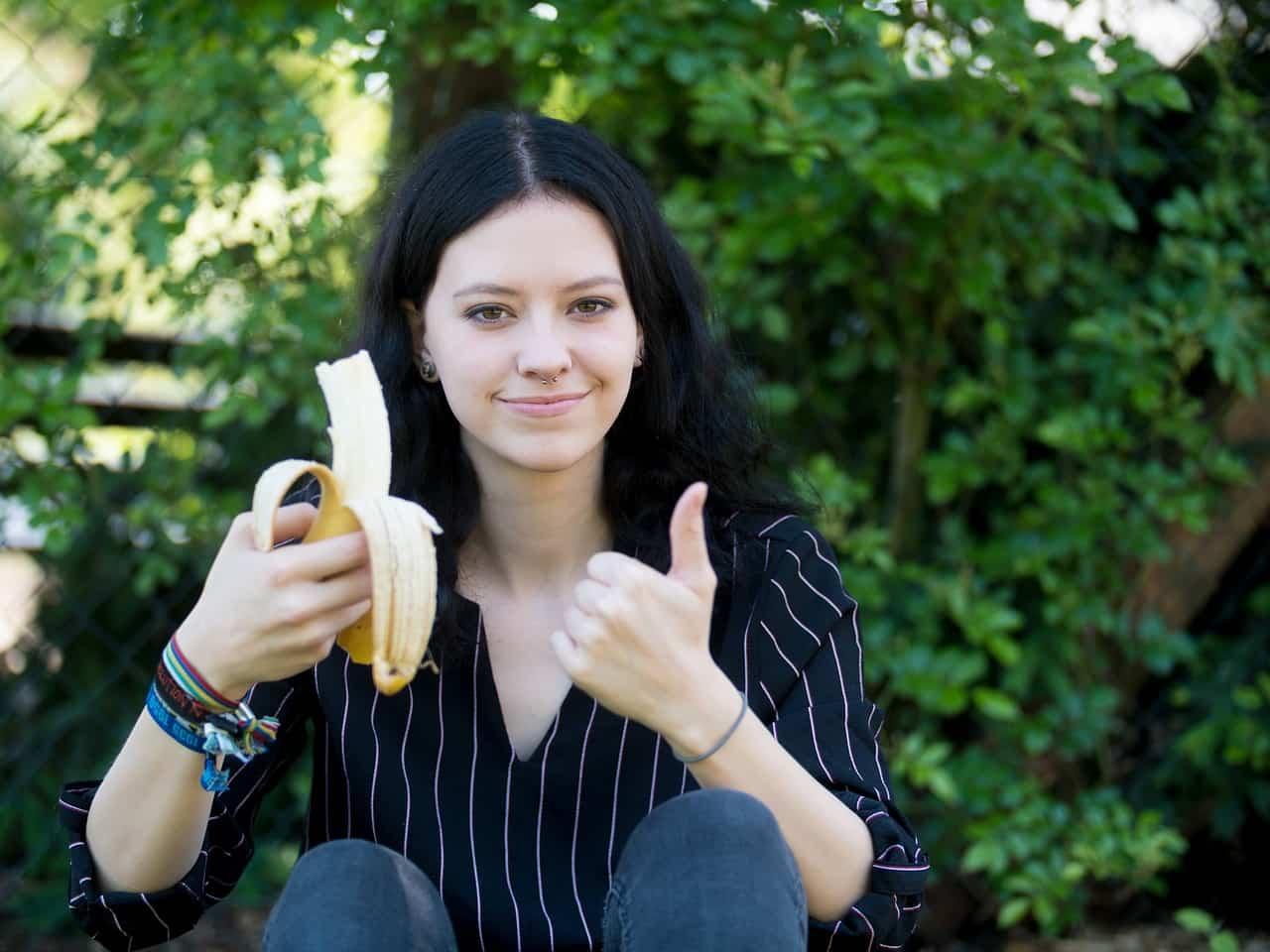 Le banane fanno ingrassare? Calorie e consigli su come mangiarle