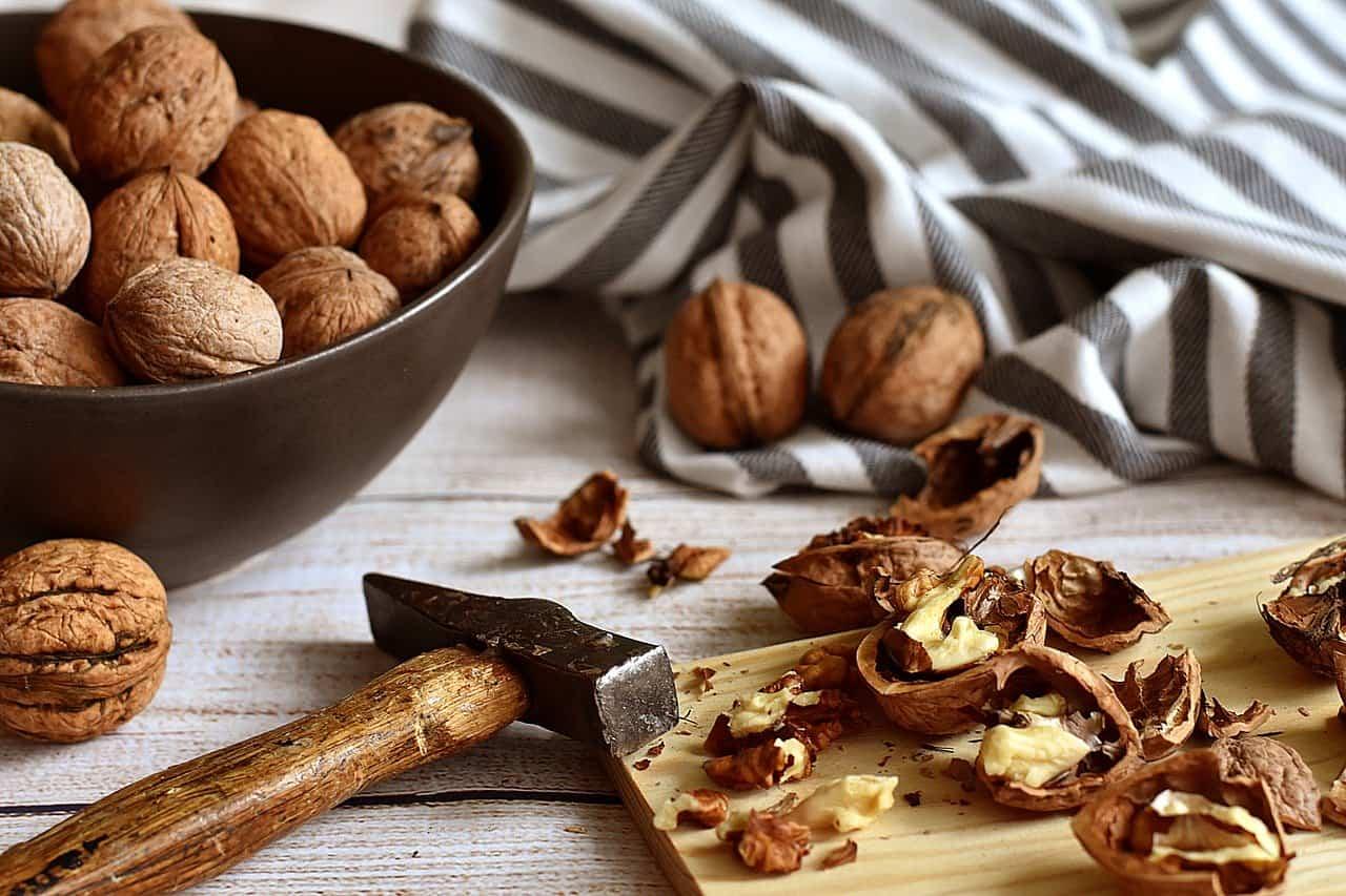 Noci: valori nutrizionali, calorie, benefici ed effetti collaterali