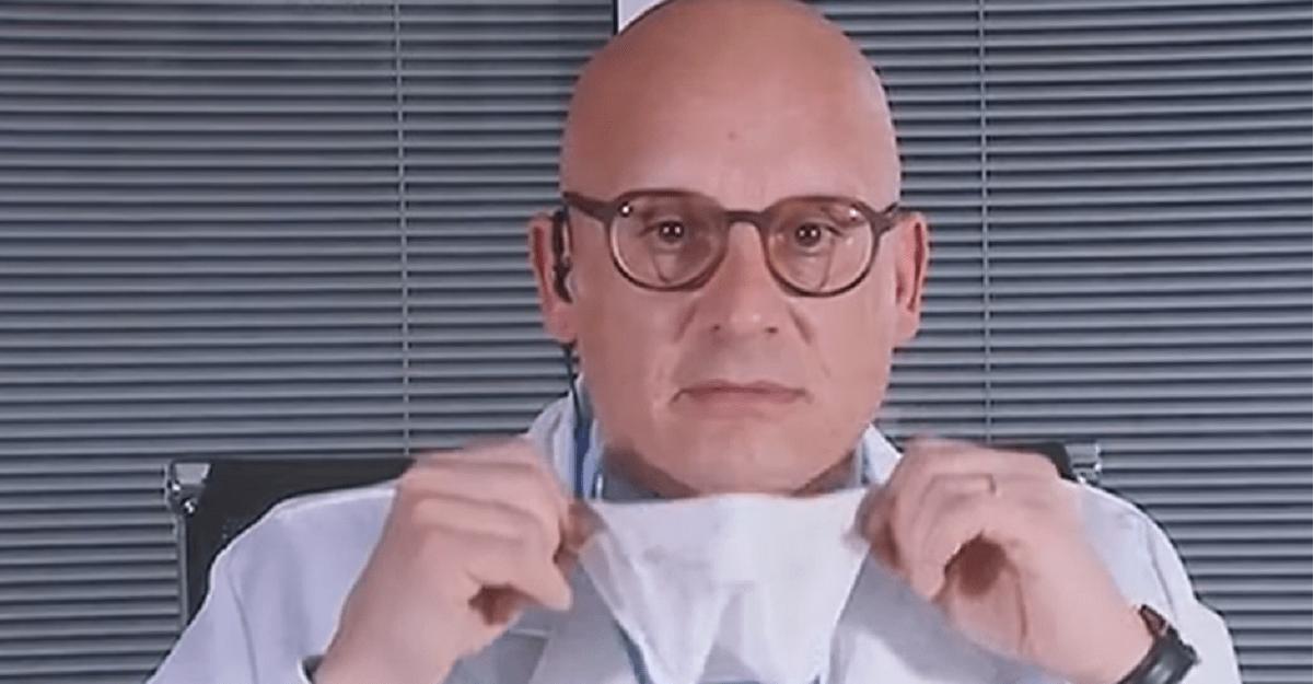 Il virologo: ecco come disinfettare le mascherine con l'alcol etilico