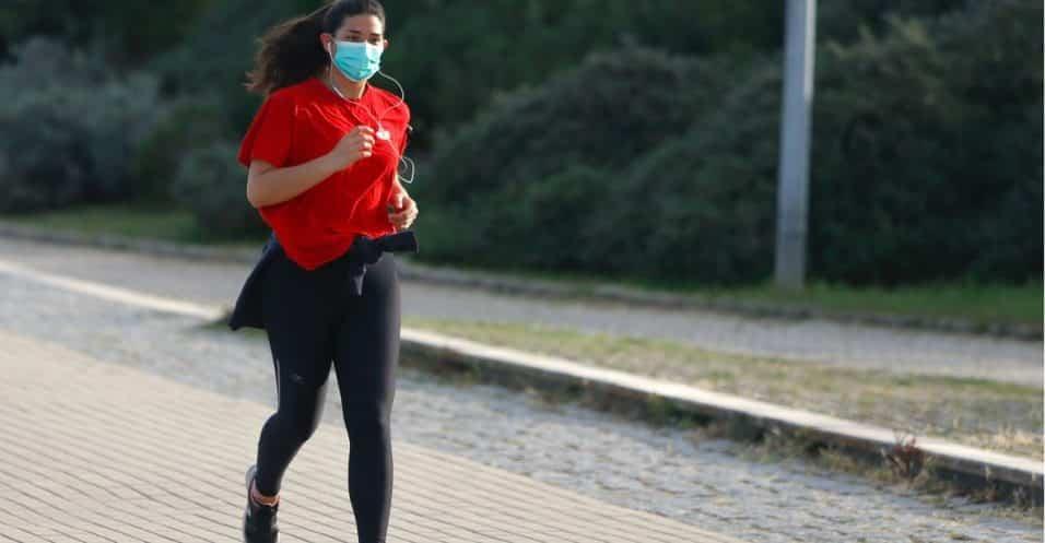 correre con la mascherina