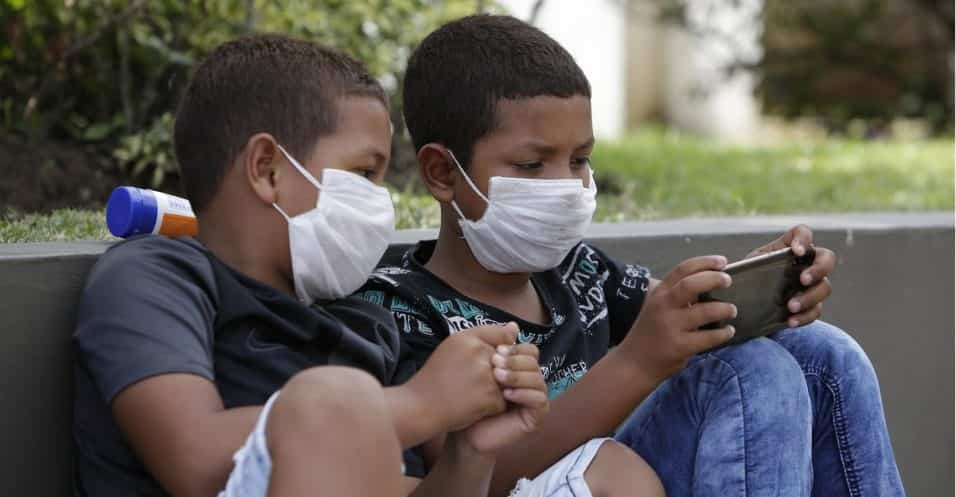coronavirus bambini si ammalano meno