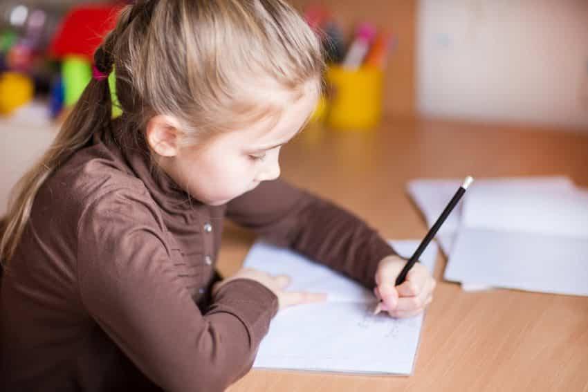 mancini scrivere con la mano sinistra