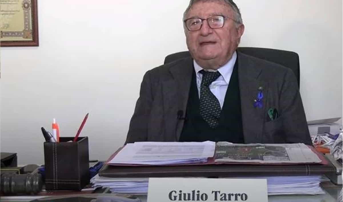 """Virologo Tarro: """"gli asintomatici non sono contagiosi e il virus si sta spegnendo"""""""